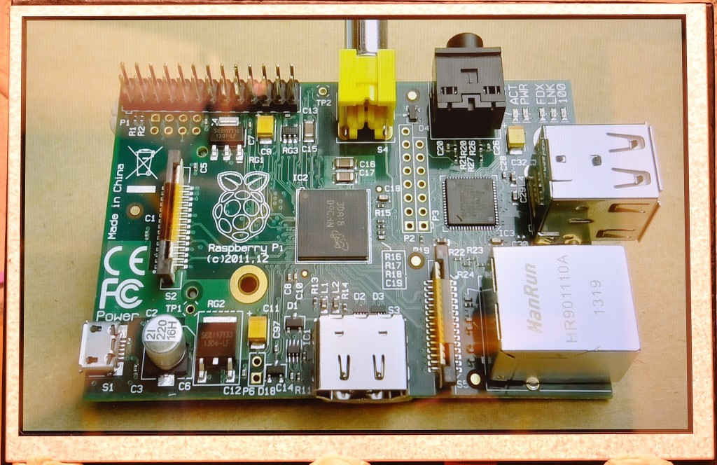 HDMIPi – the 9 inch portable Hi-Defintion HDMI screen for the Raspberry Pi – KickStarter » RasPi.TV