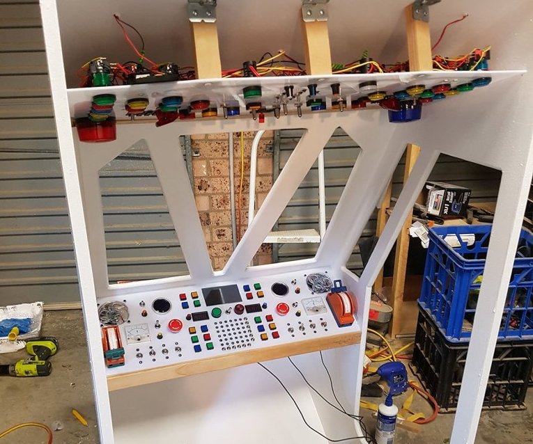 Space Age Console In A Bunk Bed Gets Sound Effects From A Raspberry